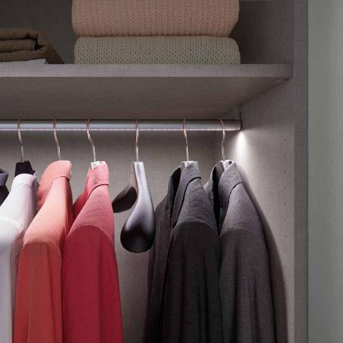 Closet Trend Bar Light
